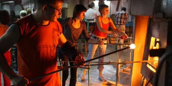 У работников стеклозавода «Неман» существенно упали зарплаты
