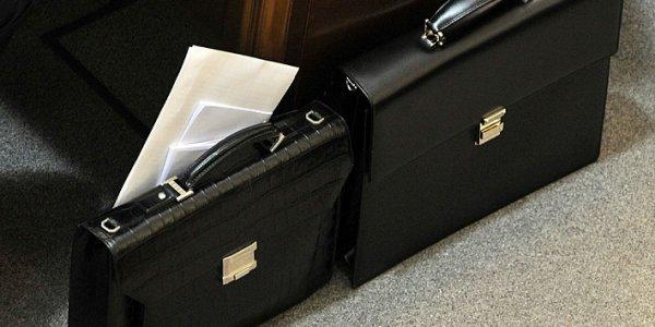 В Лиде из-за подозрительного портфеля эвакуировали 7 человек из здания Беларусбанка