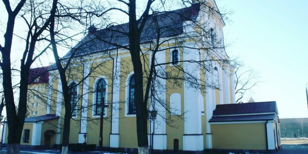 Крестовоздвиженский фарный костел в городе Лиде