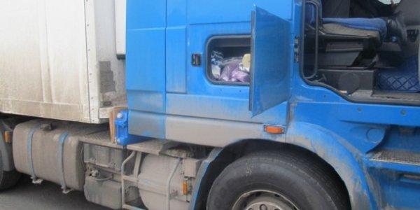 Попытка ввоза дальнобойщиком незаконных товарно-материальных ценностей