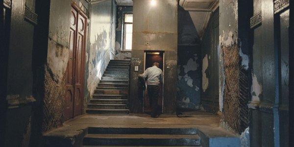 Лукашенко поручил до 1 октября установить счетчики в лифтах и подъездах