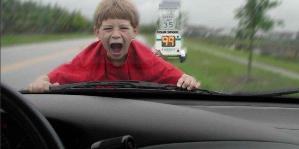 В Лиде регистратор зафиксировал момент наезда на ребенка