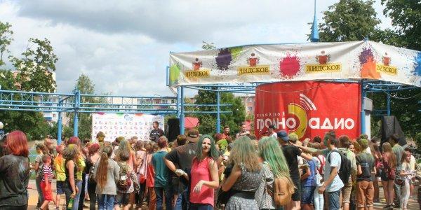 В Лиде прошёл фестиваль красок ColorFest (Фото, Видео)