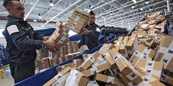 Количество посылок в Беларусь уменьшилось в два раза