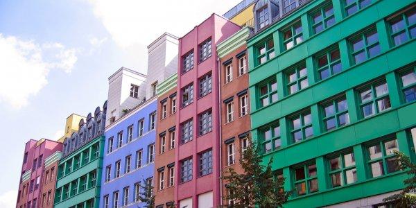 Краски фасадные для дерева в магазине стройматериалов
