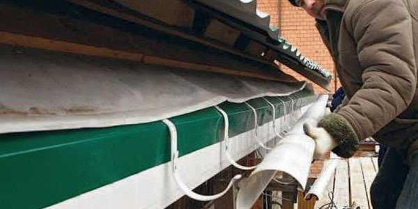Монтаж водосточных систем прямоугольного сечения