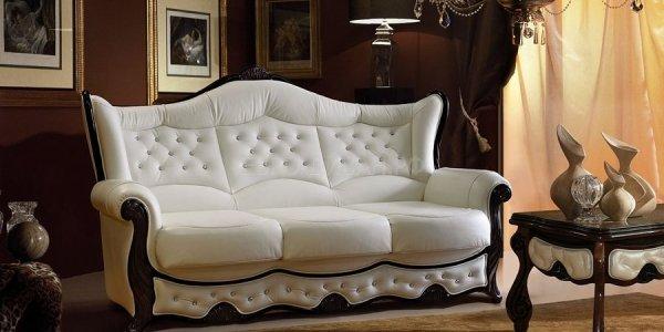 Кожаный диван - идеальное дополнение жилого интерьера