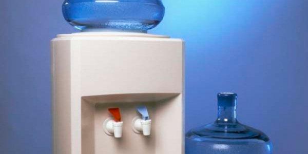 Кулер в офисе: как правильно выбрать бутилированную воду