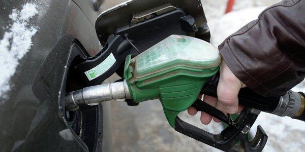 Слухи: в ночь на 8 февраля повысят цены на топливо
