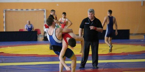 В Лиде проводилось первенство Республики Беларусь по греко-римской борьбе