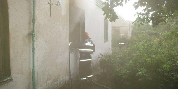 В Лиде 22-летний сын спас отца из горящего дома
