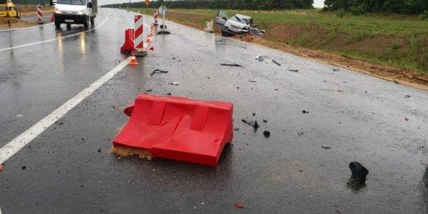 Под Лидой Citroen задел встречную фуру: Водитель погиб, его пассажир госпитализирован