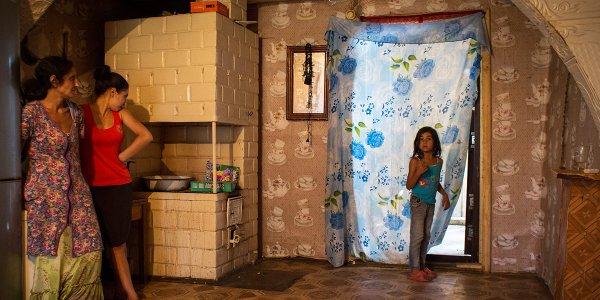 Как живут современные белорусские цыгане в деревне под Лидой