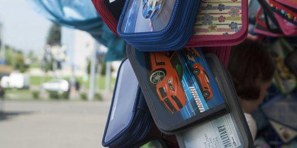 В Гродненской области на школьных базарах нашли более 100 товаров, которые нельзя было продавать