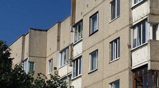 Сегодня в Лиде женщина пыталась спрыгнуть с крыши пятиэтажного дома