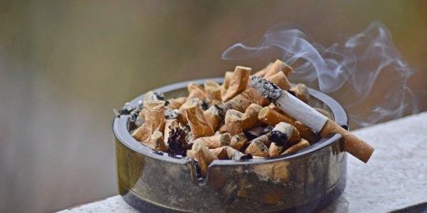 С 1 октября курить станет еще дороже