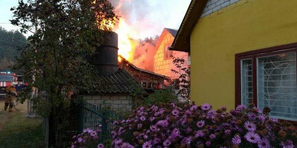 Лидские спасатели ликвидировали пожар на дачном участке