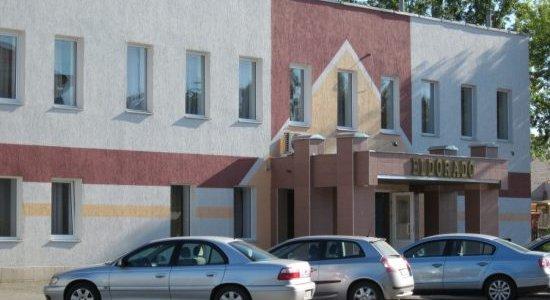 В Лиде нетрезвый посетитель ресторана «Эльдорадо» разбил входную дверь и получил статью за хулиганство