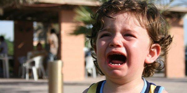 Ребенок капризничает — что делать?