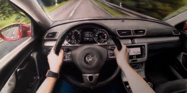 В Лиде 19-летний парень рисует автомобили так, что его рисунки путают с фотографиями (Фото)