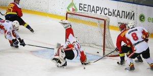 Лидчане крупно обыграли хоккеистов
