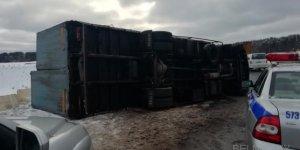 Под Лидой перевернулся перевозивший 4 млн яиц грузовик