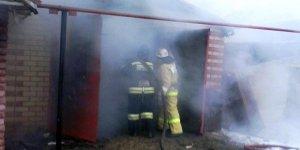 В Лиде горел автомобиль в гараже