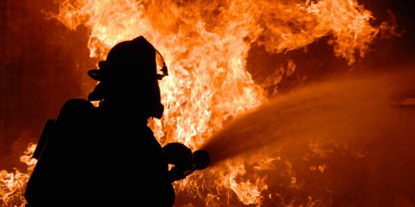 В Лиде ночью горел автомобиль