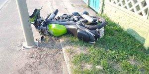Легковушка не пропустила мотоцикл в Лиде. Байкер и его пассажирка в больнице