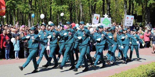 Лидские спасатели приняли участие в праздновании Дня Победы