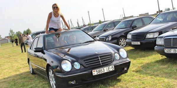 Под Лидой прошел Benz Fest с редчайшими Mercedes