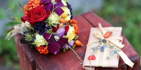 Адресная доставка цветов – по какому поводу и как сделать заказ