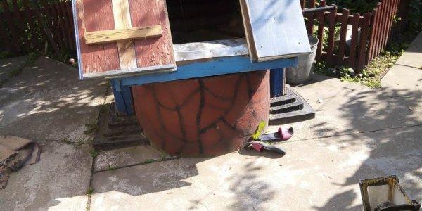 В Лиде работники МЧС спасли женщину, упавшую в колодец