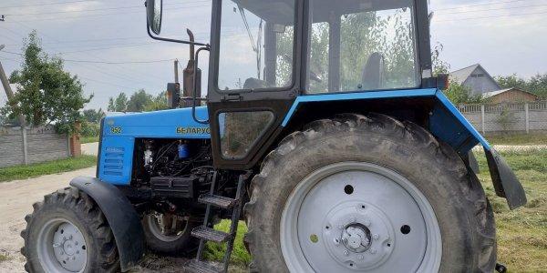 Житель Лидского района так сильно хотел выпить, что разобрал чужой трактор и продал